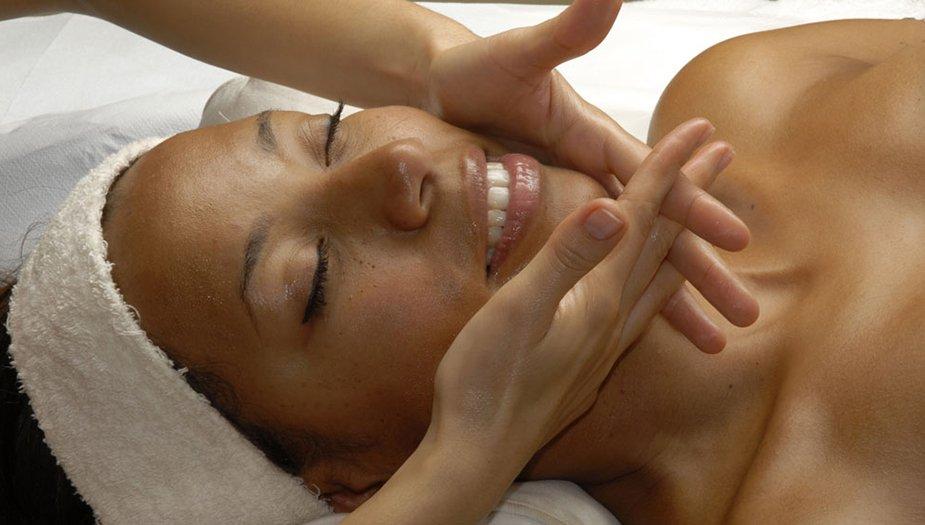 The Benefits of Facial Massage - Embody Wellness Blog