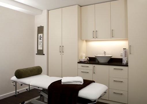 Well-equipped treatments rooms for hire from Embody Wellness in Vauxhall, South London