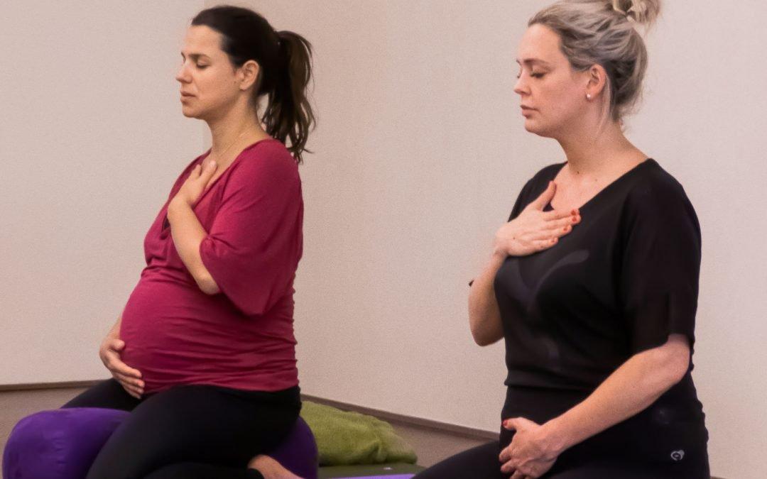 Pregnancy / prenatal yoga: could it help you to prepare for labour?